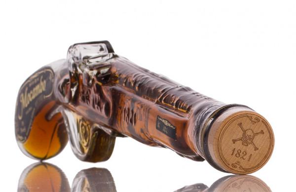 Mocambo Anejo 10 YO Pistol Rum 40% vol. 0,20l